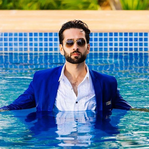 the-time-when-nakuul-mehta-made-the-swimming-pool-a-hot-tub-201611-839153